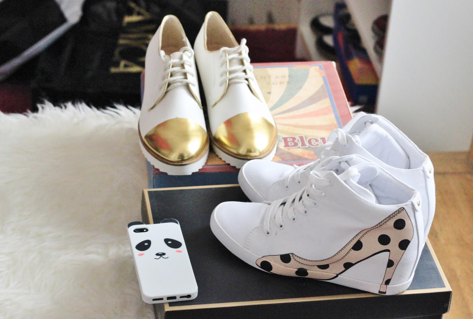 New in shoes: Olo sneackers and White Charlie Oxfords
